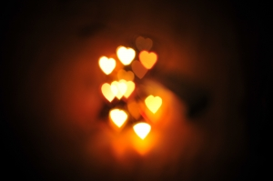 heart-bokeh-effect-1414108-m